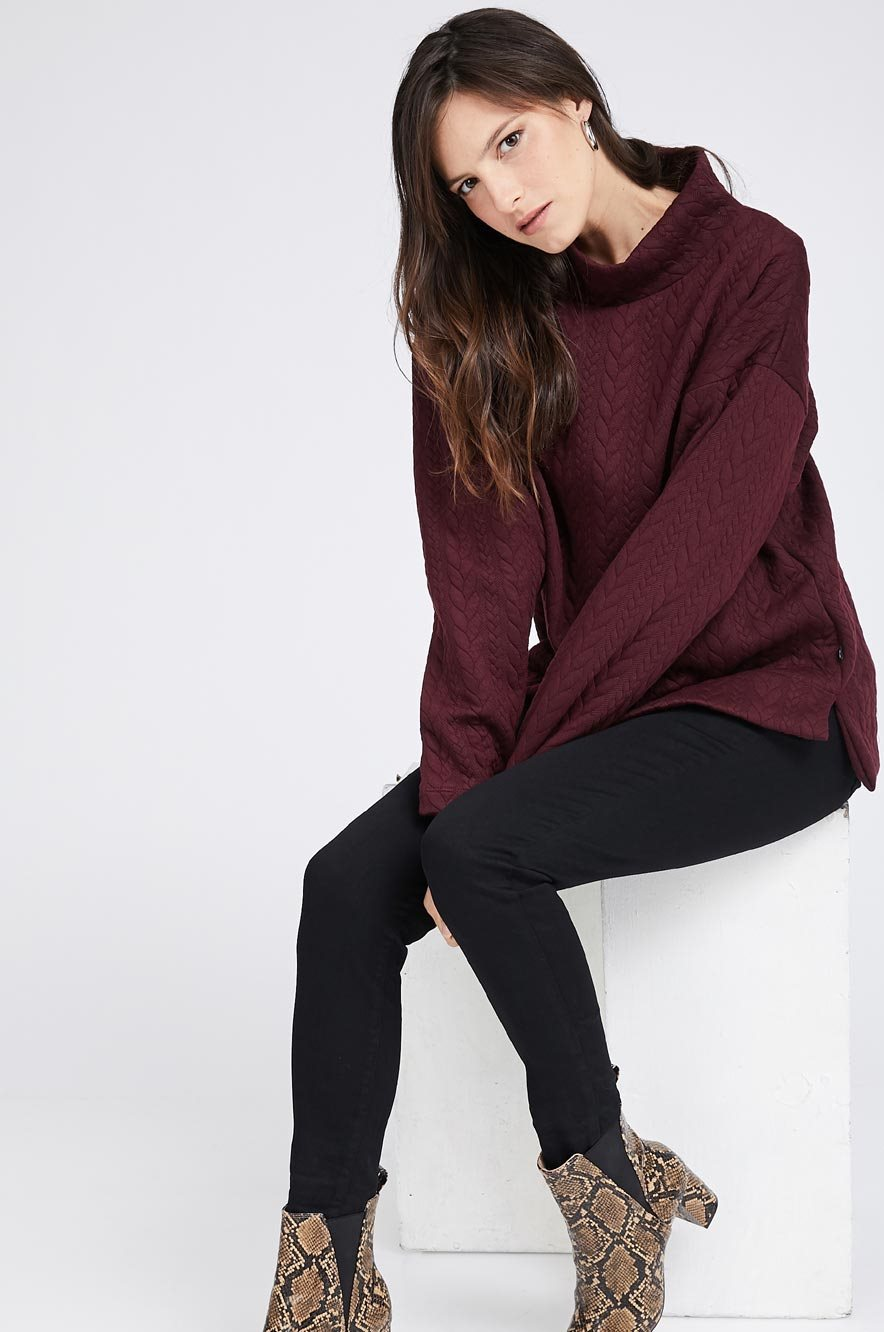 Picture of Kylie Quilted Top Maroon
